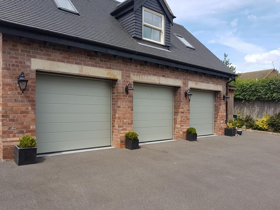 Exterior Painter Bramcote, Nottinghamshire - Garage Door Painting Service